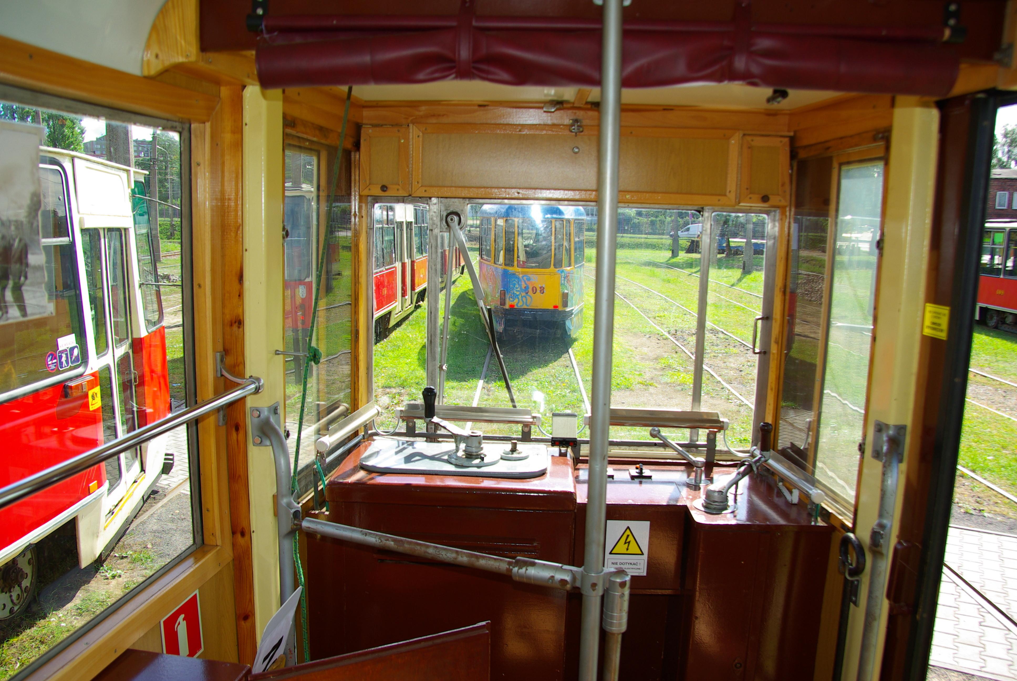 Pulpit sterowniczy w tramwaju 4N1 - #202